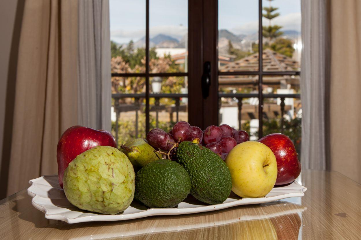 https://hostalplazacantarero.com/wp-content/uploads/2021/07/suite-fruta-plaza-canteror.jpg